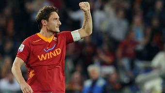 Francesco Totti  trifft und trifft.