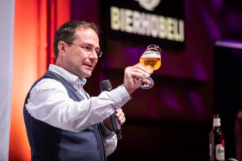 Martin Dröser in Aktion. (© Schweizer Brauerei-Verband)