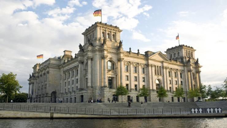 Im Bundestag hat die FDP eine Kleine Anfrage eingereicht. Die Bundesregierung muss nun ihre Bemühungen um das Verhältnis Schweiz-EU erklären.