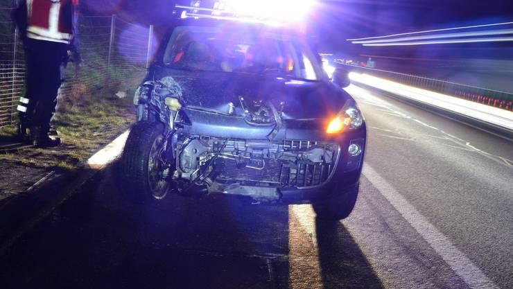 Ein Autofahrer verlor auf der Autobahn A2 bei Arisdorf die Kontrolle über seinen Wagen.