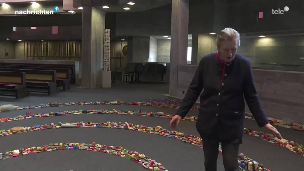 Diese Künstlerin sammelt Plastikmüll und macht daraus Schönes