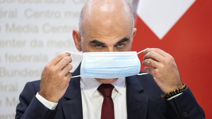 Gesundheitsminister Alain Berset stellt klar: «Man kann nicht erwarten, dass der Bundesrat alles bis ins letzte Detail regelt, und die Leute dann versuchen, diese Regeln zu umgehen.»