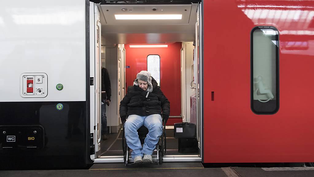 Die SBB haben bei Stadler 60 Züge bestellt. Damit sollen zum Teil die Vorgaben aus dem Behindertengleistellungsgesetz umgesetzt werden.