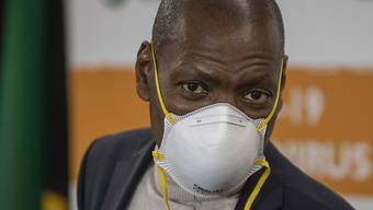Die südafrikanische Regierung plant ein historisch grosses Hilfspaket zur Unterstützung des Landes während der Coronakrise. Im Bild der südafrikanische Gesundheitsminister Zweli Mkhize. (Archivbild)
