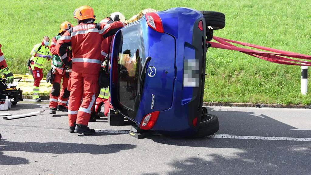 Kurznachrichten: Unfall, Fahrerflucht, Klimaziele, Abgesagt