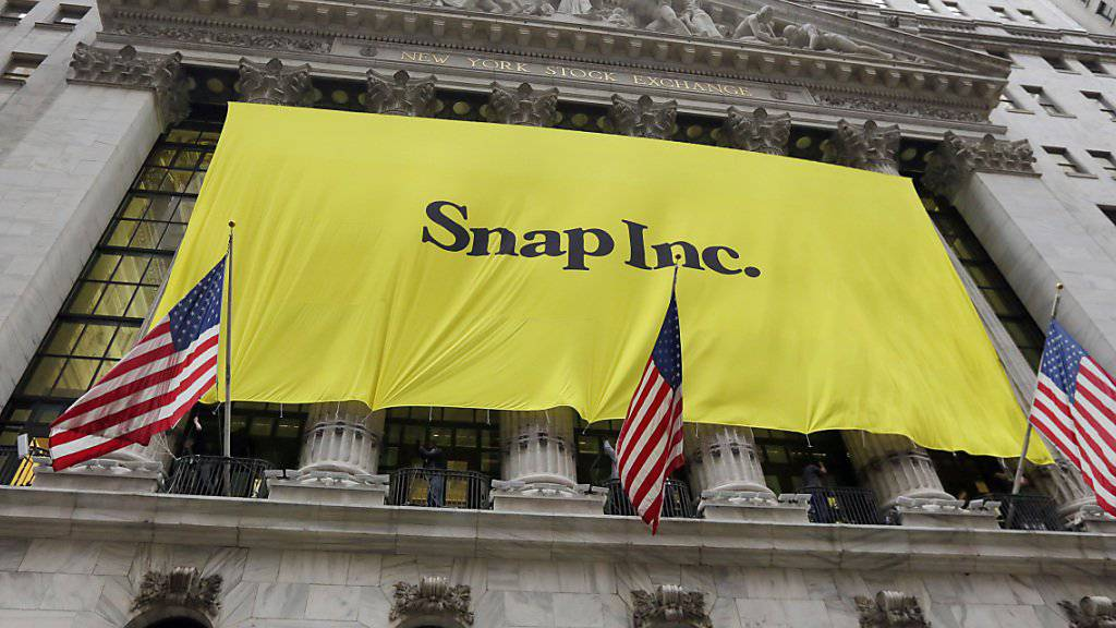 New Yorker Börse sieht gelb: Banner der Snapchat-Firma vor dem Börsengang.