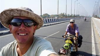 Mike-John Wyss und Cynthia Cattin haben auf ihrer Reise nach Australien schon mehr als 17500 Kilometer abgespult. zvg