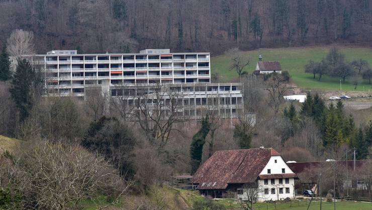 Umgeben von schöner Natur vegetieren die Liegenschaften des Thermalbads Lostorf seit 14 Jahren vor sich hin.
