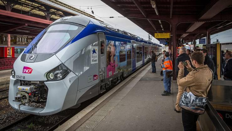 Im TER von BAsel nach Strasbour werden die Passagiere neu auf Elsässisch begrüsst.