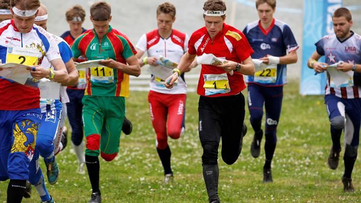 Daniel Hubmann, 3. v. r. waehrend der Staffel am Sonntag, 15. August 2010, an den Orientierungslauf Weltmeisterschaften in Trondheim, Norwegen. Die Schweizer erreichten den 3. Platz.