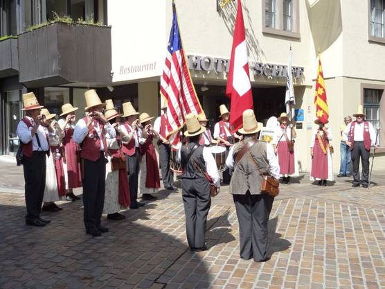 Platzkonzert des Rheinfelder Grainfield Fife and Drum Corps