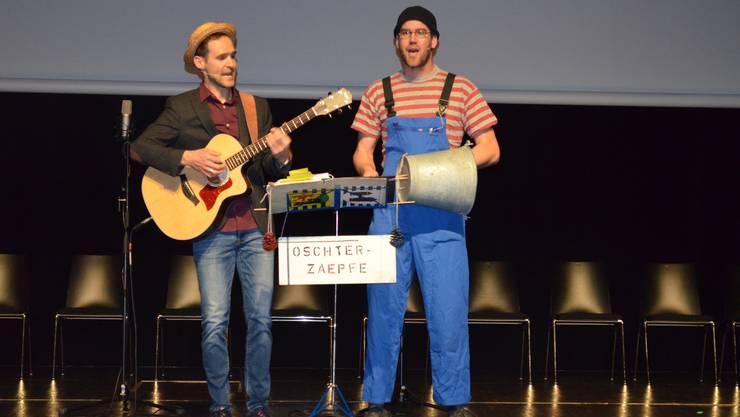 Während zweier Abende fand die Kulturnacht im Campussaal Brugg-Windisch statt.Die Oschter-Zaepfe führen humorvoll durch den Abend.