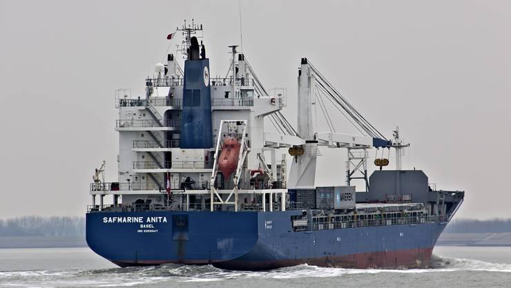 Einer von acht Mehrzweckfrachtern und vier Tankern, die der Bund derzeit zu verkaufen versucht, weil deren Betreiber nicht mehr zahlen kann und die Eidgenossenschaft so pro Monat bis zu einer Millionen Franken verliert.