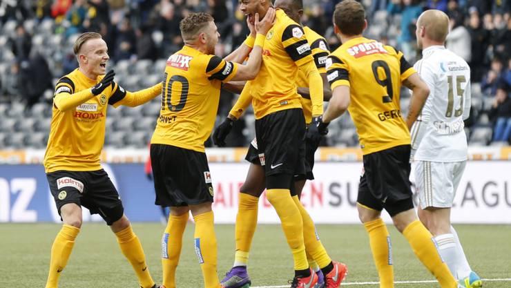 YB-Hoarau jubelt nach seinem Tor zum 2:0 gegen Luzern