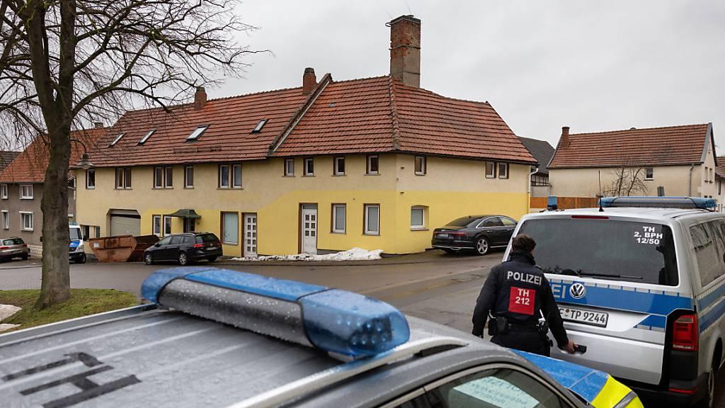 Nach Razzia im Neonazi-Milieu acht Verdächtige in Deutschland in Haft