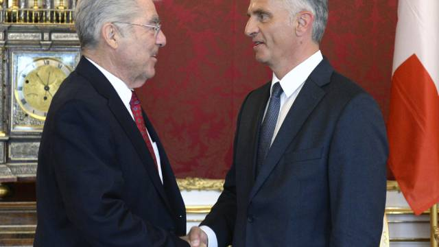 Burkhalter (rechts) mit Österreichs Bundespräsident, Heinz Fischer