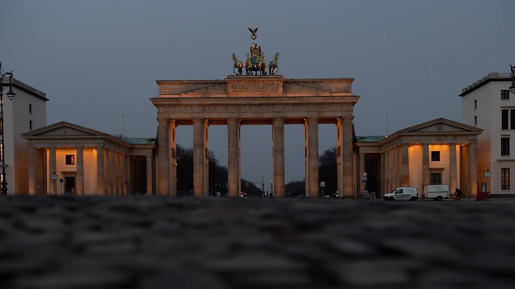 Auch Berlin will an der gemeinsamen Schweigeminute für die Corona-Opfer teilnehmen.