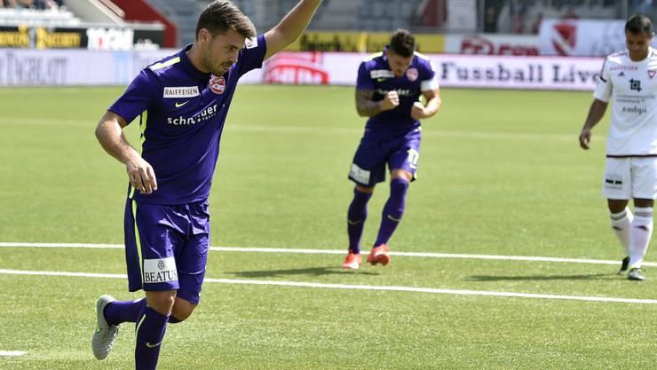 Gianluca Frontino - hier auf einer Aufnahme vor zwei Jahren im Thuner Dress - jubelt nach einem Treffer gegen Vaduz
