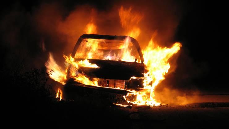 An der Fasanenstrasse wurde ein Auto angezündet. (Symbolbild)
