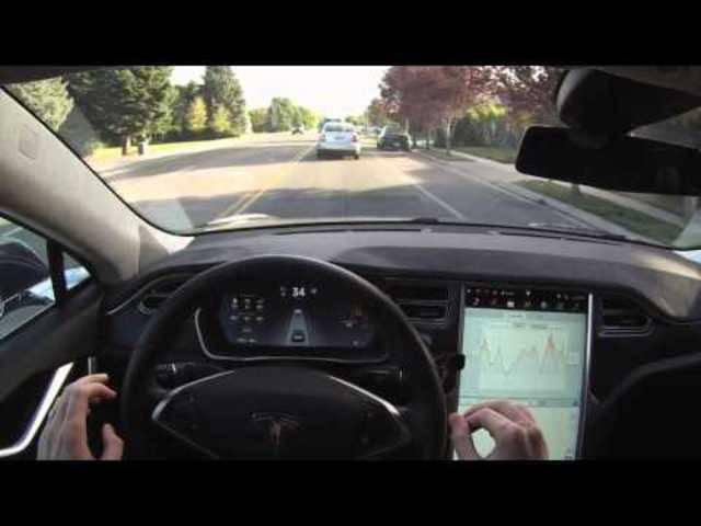 Demonstration des Autopilots im Tesla Model S