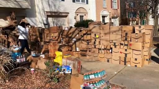 314 Pakete an eine Adresse geliefert und dann gekündigt: Amazon-Paketbote geht viral