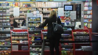 Die Kioskbetreiberin Valora hat im vergangenen Jahr mehr Umsatz und mehr Gewinn erzielt. Wachsen will die Gruppe auch im laufenden Jahr.(Archivbild)