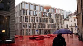 Blick auf den Hauptsitz der Raiffeisen in St. Gallen.