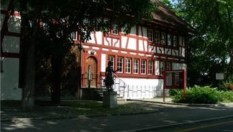 Das Gluri Suter Huus ist ein Kulturhaus mit Ausstellungen. Archiv