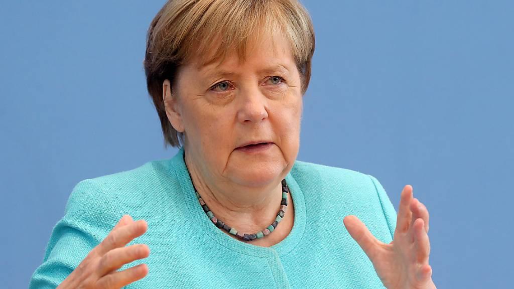 Bundeskanzlerin Angela Merkel stellt in der Bundespressekonferenz den Fragen der Journalisten. Foto: Wolfgang Kumm/dpa