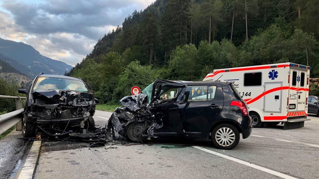 Die 49-jährige Lenkerin krachte frontal in das entgegenkommende Auto.