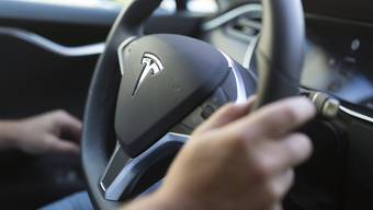Junglenker, die die Voraussetzungen erfüllen, erhalten neu automatisch und ohne Gesuch einen unbefristeten Führerausweis. (Symbolbild)