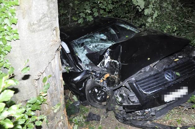 Ein 19-jähriger Autolenker hatte in einer Kurve die Kontrolle verloren
