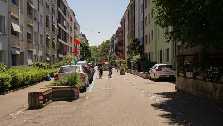An der Eftringerstrasse ist eine von über 80 Begegnungszonen in Basel.
