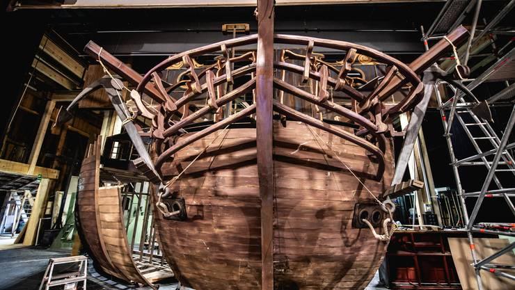 Ein Geisterschiff wird gebaut. Ab 2. August wird «Der Fliegende Holländer» auf der Sommerbühne gezeigt.