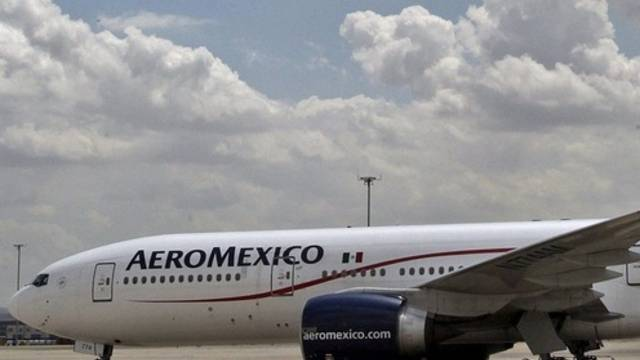 Die Boeing nach der Landung in Madrid