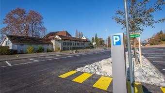 Mit dem 190 Meter langen Weg will die Gemeinde die letzte Lücke der Fussgängerverbindung zwischen dem Brestenberg-Parkplatz und dem Schulareal schliessen. Archiv