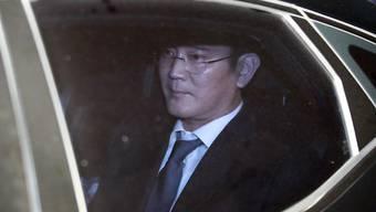 Samsung-Gruppen-Chef Jay Y. Lee bei seiner Verhaftung in Seoul.