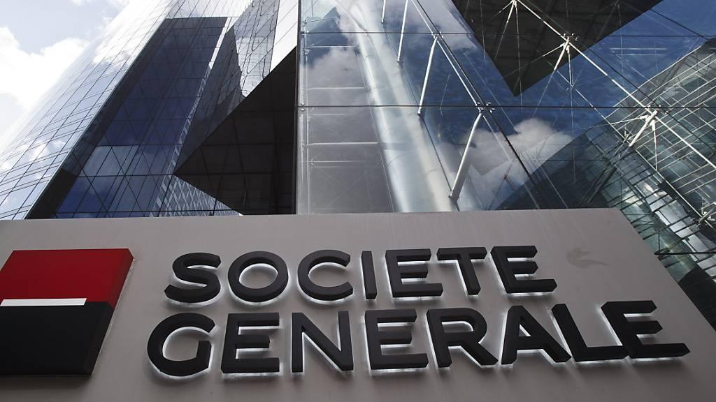 Hohe Rückstellungen für gefährdete Kredite belasten das Jahresergebnis der französischen Société Générale. (Archivbild)