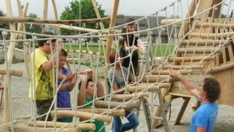 Bau des Spielplatzes in Gipf-Oberfrick