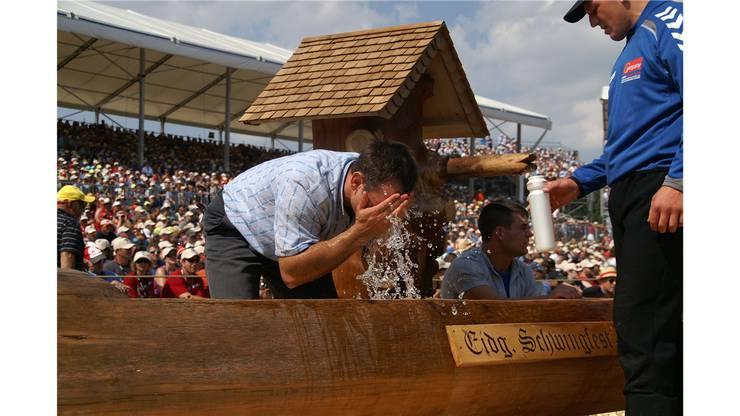 Zur Vorbereitung von Thomas Kammermann gehört der Gang zum Brunnen.