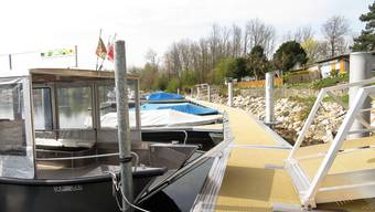 Die Aarefähre am neuen Bootssteg in Altreu