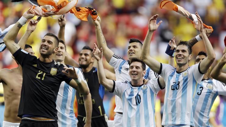 Jubelnde Argentinier sind in einem WM-Halbfinale Standard (Zuletzt 2014 nach einem Sieg gegen Holland)