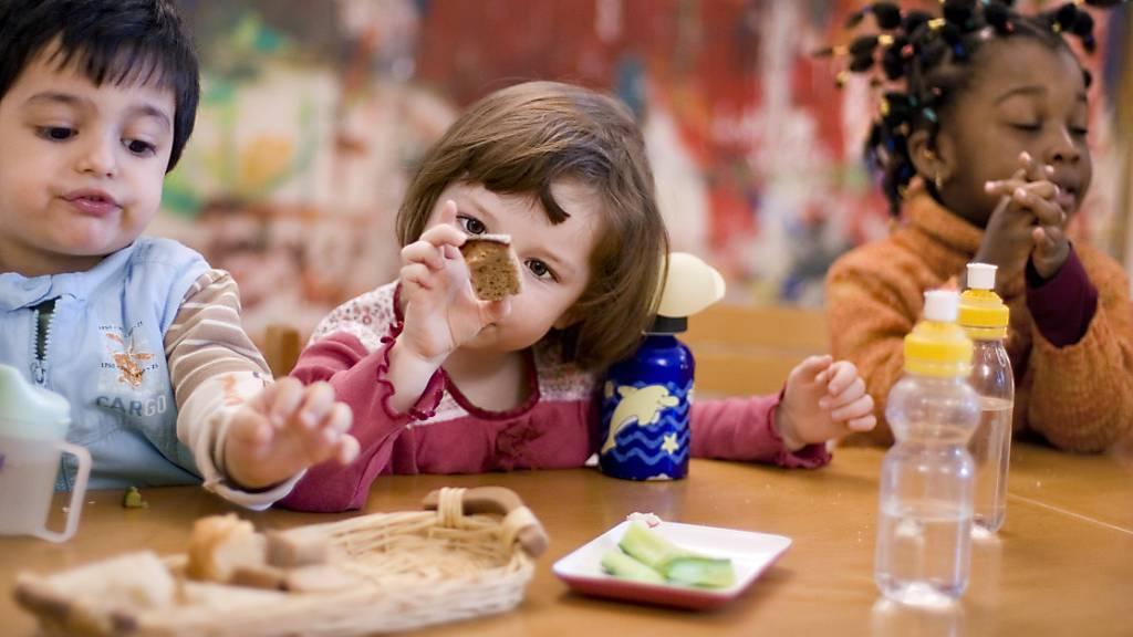 BFU warnt: Erstickungsgefahr für Kleinkinder durch Esswaren