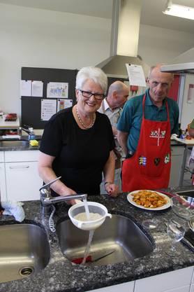 """Kochkursleiterin Céline Schor """"Wenn die Männer Fragen haben, rufen sie mich"""