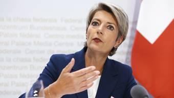 Macht bei Grenzöffnungen vorwärts, ist aber von ausländischen Regierungen abhängig: Justizministerin Karin Keller-Sutter.