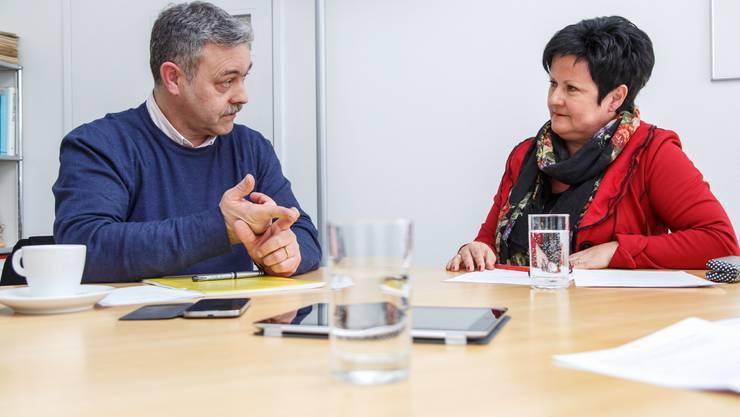 Markus Baumann und Marianne Meister beim Argumentieren.