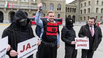 Unbewilligte Kundgebung: Die Stadt Bern büsst das Initiativkomittee für ein nationales Verhüllungsverbot für ihre Aktion auf dem Bundesplatz.