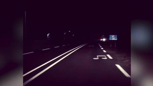 Singende Fahrbahn: Strasse spielt Hymne und Anwohner sind genervt