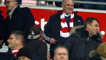 Uli Hoeness hat beim FC Bayern wieder beide Führungspositionen inne