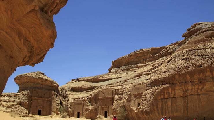 Im Nordwesten Saudi-Arabiens liegen antike Grabstätten aus der Zeit der Nabatäer, die 2008 in die Liste des UNESCO-Welterbes aufgenommen wurden. Jetzt will Frankreich zusammen mit Saudi-Arabien die Stätten für den Tourismus öffnen - ein Projekt, das bis 80 Milliarden Euro kosten soll. (Archivbild)
